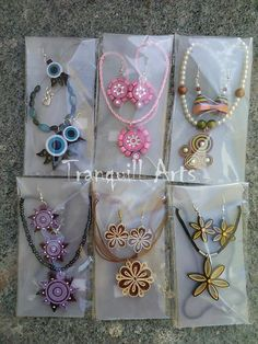 Quilling jewellery Quiling Earings, Paper Quilling Earrings, Paper Quilling Patterns, Origami And Quilling, Quilling Paper Craft, Quilling Craft, Paper Jewelry, Paper Beads, Clay Jewelry
