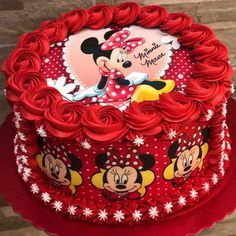 Image may contain: food Minni Mouse Cake, Minnie Mouse Party, Bolo Minnie, Minnie Cake, Super Torte, Minnie Birthday, Birthday Cakes, Character Cakes, Disney Cakes