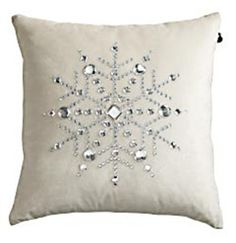 Pillow easy snowflake pillow to make. Radloff - what do you think of making several of these for your bed?easy snowflake pillow to make. Radloff - what do you think of making several of these for your bed? Christmas Sewing, Christmas Projects, Holiday Crafts, Holiday Fun, All Things Christmas, Christmas Holidays, Christmas Decorations, Xmas, Christmas Cushions To Make