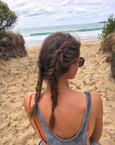 39 Of The Top Braid Hairstyles Braid hairstyles have always been classic. You have probably worn braids since you were a little girl. However, braids have gotten grown up. Braids Hairstyles Pictures, Easy Bun Hairstyles, Hairstyles With Glasses, Loose Hairstyles, Elegant Hairstyles, Hair Pictures, Hairstyles Haircuts, Hairstyles With Bangs, Bangs Hairstyle