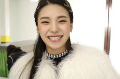 Find images and videos about kpop, itzy and yeji on We Heart It - the app to get lost in what you love. South Korean Girls, Korean Girl Groups, Ulzzang Girl, These Girls, Boyfriend Material, New Girl, Me As A Girlfriend, Kpop Girls, Black Girls