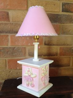 Lamp with ballet slippers.  Designed by Under Ten CR. www.undertencr.net www.facebook.com/undertencr Kids Lamps, Baby Decor, Lampshades, Lamp Light, Wood Crafts, Diy Furniture, Baby Shower Gifts, Woodworking Projects, Decoupage