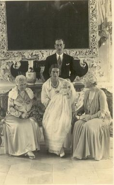 Berthold, Margrave of Baden and wife Margravine Theodora, nee Princess Theodora of Greece and Denmark, at the christening of their 2nd child and 1st son, Hereditary Prince Maximilian.  Don't know who the 2 elderly ladies are.