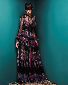 Zuhair Murad Fall 2018 Ready-to-Wear – Haute Couture Designer Fashion Fashion 2018, Fashion Week, Runway Fashion, Boho Fashion, High Fashion, Fashion Design, Haute Couture Designers, Style Haute Couture, Latest Fashion Clothes