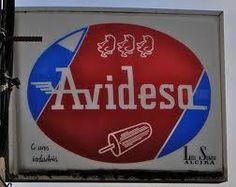 Qué ricos los Helados Avidesa, el Apolo, el sandwich, el de hielo sabor chocolate, hielo sabor vainilla (éste ultimo se agotaba)...