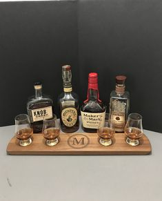 Bourbon Gifts, Bourbon Whiskey, Scotch Whisky, Color Streaks, Whisky Tasting, Tasting Table, Cut Glass, Hostess Gifts, Gifts For Him