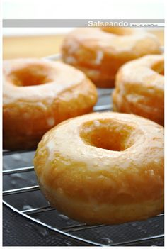 Los dónuts definitivos {In Spanish} Mini Donuts, Baked Donuts, Doughnuts, Donut Recipes, Baking Recipes, Beignets, Eclair Recipe, Chocolate Lasagna, Sugar Donut
