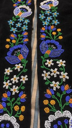 Folk Embroidery, Beaded Embroidery, Indian Beadwork, Bead Jewellery, Jewelry, Beaded Crafts, Beaded Flowers, Beading Patterns, Floral Tie