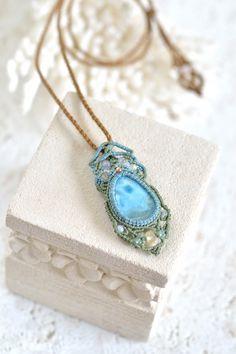ラリマーマクラメペンダントh - 旅する天然石とマクラメアクセサリーのお店 Macrame Jewelry MANO