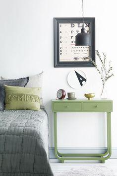 Tiesitkö, että Helmi-kalustemaalilla on myös Joutsenmerkki? #tikkurila #helmi #joutsenmerkki #kaluste #maalaaminen #pastelli #makuuhuone #lipasto