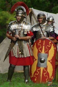 Fact.ee - Россия, Ивангород. . Великая Эпоха. . Рим: Римские легионеры в бою (43 ФОТО)