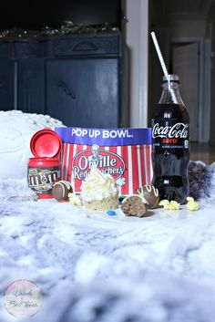 Make these peanut butter balls and cupcakes to enjoy a family movie night of Hotel Transylvania 2! [ad] #MakeItAMovieNight @mmschocolate @sonypictures @cocacola
