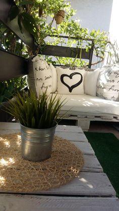 Rośliny i ogród, Balkon - Witam serdecznie, zapraszam na nasz mały Balkonik, urządzony przeze mnie,chciałam żeby było ładnie i funkcjonalnie. Miejsca jest mało więc...