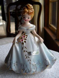 Got her for Christmas Glass Dolls, Porcelain Dolls Value, Blue Pottery, Ceramic Figures, Porcelain Jewelry, Vintage Ceramic, Xmas Decorations, Vintage Dolls, Vintage Items