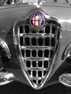 Retro auto - nice image to Remember Alfa Romeo Logo, Alfa Romeo Cars, Retro Cars, Vintage Cars, Hood Ornaments, Sports Pictures, Car Brands, Cars And Motorcycles, Cool Cars