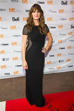 Jennifer Garner looked uber-sexy in a black dress. See more stars at TIFF on Wonderwall: http://on-msn.com/1rU0KaI