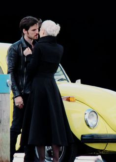 I kinda hope that while Emma is evil that Hook and her start being darker but then he realizes that isn't her so he becomes the good guy and rescues her.
