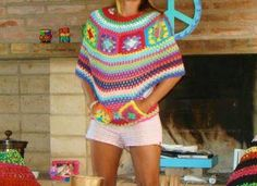 poncho granny square - Oops no pattern - I will try and search for one. I thought this was so nice a fun looking Más Poncho Crochet, Mode Crochet, Poncho Shawl, Crochet Shawls And Wraps, Crochet Granny, Crochet Scarves, Crochet Clothes, Crochet Stitches, Crochet Designs