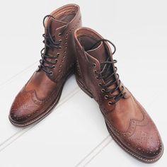 Highcut broque men lace up brown cognac boot