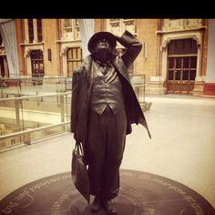 St.Pancreas Train Station London statue