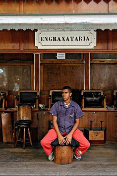 Engraxataria - Worldwide Photo Walk 2011 by Gabi Butcher, downtown São Paulo, Brazil, via Flickr