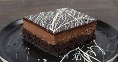 Chocolate poke cake by the Greek chef Akis Petretzikis. Make easily and quickly this traditional recipe for a dessert called sokolatina, full of chocolate! Greek Sweets, Greek Desserts, Party Desserts, Greek Recipes, No Bake Desserts, Cookbook Recipes, Sweets Recipes, Poke Cake Recipes, Pasta