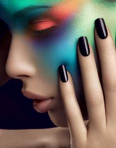 Colorful make-up - Black nails