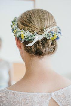 Rustikale Hochzeit in gelb und türkis mit VW Käfer | Hochzeitsblog The Little Wedding Corner