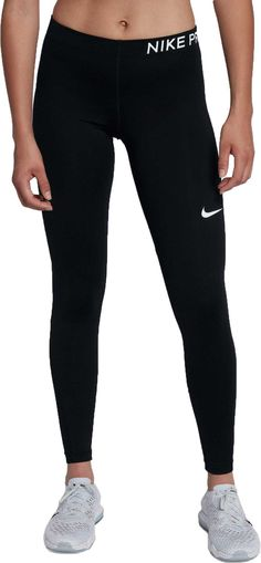 Style: 897519 Nike Power Pocket Lux Running Training Tights feature sweat-wicking technology and a body-hugging fit that flatters your shape. Nike Power fabric provides stretch and support. Legging Outfits, Nike Outfits, Sporty Outfits, Athletic Outfits, Athletic Wear, Leggings Fashion, Fashion Outfits, Athletic Clothes, School Outfits