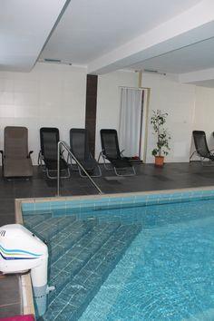 Ob morgens zum wach werden oder abends zum abschalten - unser Schwimmbad ist immer eine gute Idee. Outdoor Decor, Home Decor, Double Room, Decoration Home, Room Decor, Home Interior Design, Home Decoration, Interior Design