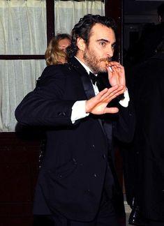 Joaquin Phoenix keepin' it real Joaquin Phoenix, Hot Actors, Actors & Actresses, I Need A Boyfriend, Puerto Rico, Youtubers, Grey Beards, River Phoenix, Man Smoking