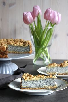 Poppy seed cake with pudding and sprinkles Poppy Seed Cake, Pudding Cake, Sweet Recipes, Sprinkles, Poppies, Tart, Food And Drink, Sweets, Baking