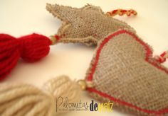 Estrellas y Corazones colgantes de arpillera - Linea Souvenirs