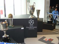 Real Madrid History, Uefa Champions League, Table Decorations, Furniture, Home Decor, Decoration Home, Room Decor, Home Furnishings, Home Interior Design