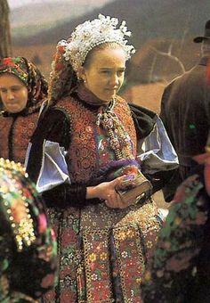 Folk Costume, Costume Dress, Hungary History, Costumes Around The World, Art Populaire, Hungarian Embroidery, Folk Dance, Culture, Folk Music