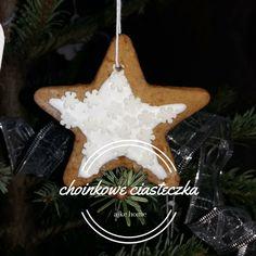 ciastka z pieprzem na choinke przepis Nigella Lawson Nigella, Baking, Christmas Ornaments, Holiday Decor, Bakken, Christmas Jewelry, Christmas Decorations, Backen, Sweets