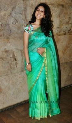 "Discover thousands of images about Sakshi tanwar in kota saree paired with a floral print backless blouse at Bollywood movie ""Dangal"" special screening. Pattu Saree Blouse Designs, Saree Blouse Patterns, Fancy Sarees, Party Wear Sarees, Kota Silk Saree, Georgette Sarees, Georgette Saree Party Wear, Organza Saree, Maxi Skirts"
