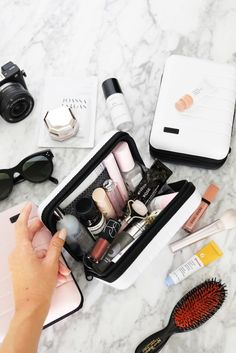 Suitcase Away Travel Mini Suitcase Mini-Reisekoffer Makeup Storage, Makeup Organization, Travel Organization, Beauty Lookbook, Travel Makeup, Beauty Essentials, Makeup Bag Essentials, Makeup Collection, Travel Accessories