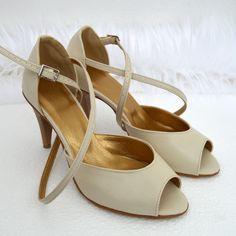 Sandálky nude - ecru vo veľkosti 38, opatok 8 cm.  Sandals nudeSandálky nude - ecru vo veľkosti 38, opatok 8 cm.  Sandals nude Nude, Sandals, Shoes, Fashion, Slide Sandals, Moda, Shoes Sandals, Zapatos, Shoes Outlet