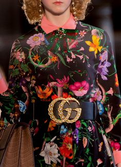 Gucci's whimsical floral print Flora is redesigned by the modern hands of Alessandro Michele. Dresses For Teens, Trendy Dresses, Nice Dresses, Floral Fashion, Colorful Fashion, Fashion Design, Gucci Floral, Vintage Dress Patterns, Vintage Sweaters
