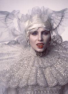 Costume designed by Eiko Ishioka for Lucy Sadie Frost as Lucy in Dracula F.F Coppola, 1992 Female Vampire, Vampire Girls, Vampire Art, Bram Stokers Dracula, Sadie Frost, Dracula Costume, Eiko Ishioka, Coppola, Films Cinema