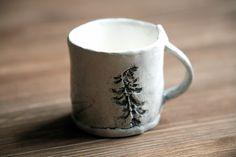 Чашка для кофе. Фаянс, ангобы, глазурь