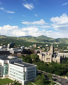 I had no idea #SaltLakeCity #Utah was so beautiful interesting and full of lots of art and culture. I went on a vintage/antique tour ate lots of yummy food and enjoyed learning and connecting with bloggers at #AltSummit when I was in #SLC last year. I hear it's even more beautiful in winter with all the snow!