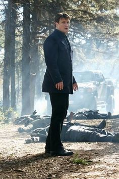 """Castle Looks Confused in Castle Season 5, Episode 16: """"Hunt""""****bodies dropping all around ya think?"""