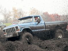 oh boy this is making me want to go mudding.. :)