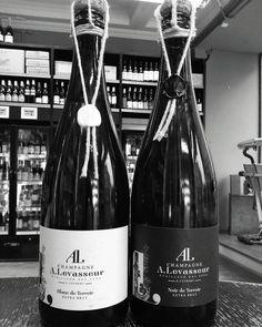 Champagne!! Or how to celebrate the never-ending winter..... #champagne #blackandwhite #noiretblanc #vinowine #vinostockbridge #edinburgh #stockbridge #shoplocal #instachampagne #insta_daily #winter #nospring