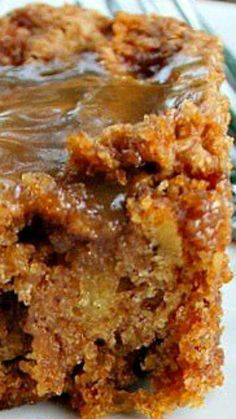 Mom's Best Apple Cake Gooey delicious caramel pored over a moist apple filled cake. Its easy fast to make and incredibly delicious. This is a keeper! Apple Cake Recipes, Apple Desserts, Köstliche Desserts, Cupcake Recipes, Delicious Desserts, Dessert Recipes, Best Apple Recipes, Apple Cakes, Bolo Normal
