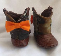 Super cute and comfy cowgirl and cowboy boots for babyies! I found this really awesome Etsy listing at https://www.etsy.com/listing/185181880/baby-cowboy-boots-mossy-oak-camo-with