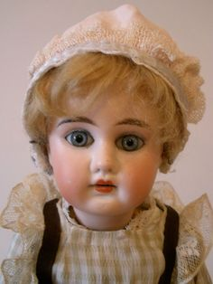 Antique rare German Kammer & Reinhardt Doll, this doll is special !