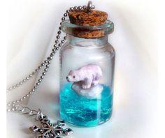 Polar bear necklace, animal lover gift, bear pendant bottle … – Jewerly World Bottle Jewelry, Bottle Charms, Bottle Necklace, Cute Necklace, Resin Jewelry, Jewellery, Necklace Ideas, Etsy Jewelry, Pendant Necklace